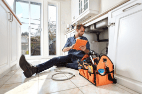 How to find the problems that the pipes are affected? How to contact the best plumber service?
